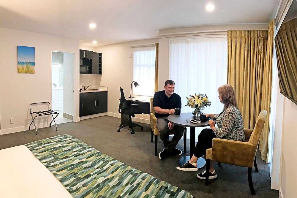 carnmore-hotel-takapuna-living